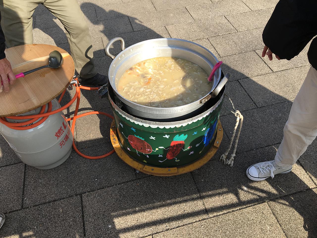29/地場産野菜あったか汁ふるまい/12月12日